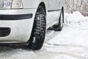 Cuatro consejos para mantener el coche en países fríos
