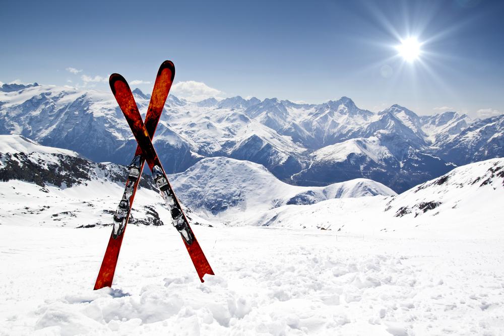 3 factores a tener en cuenta antes de contratar un seguro de esquí o snowboard
