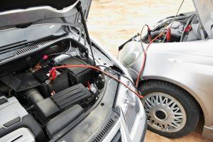 ¿Cómo arrancar el coche sin batería? | Problemas del desconfinamiento