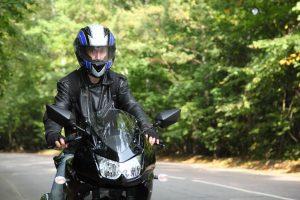 ¿Quieres personalizar tu moto? Descubre cómo pintar un casco de moto a la perfección