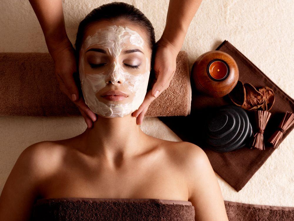Los-beneficios-de-los-masajes-faciales-Te-lo-contamos