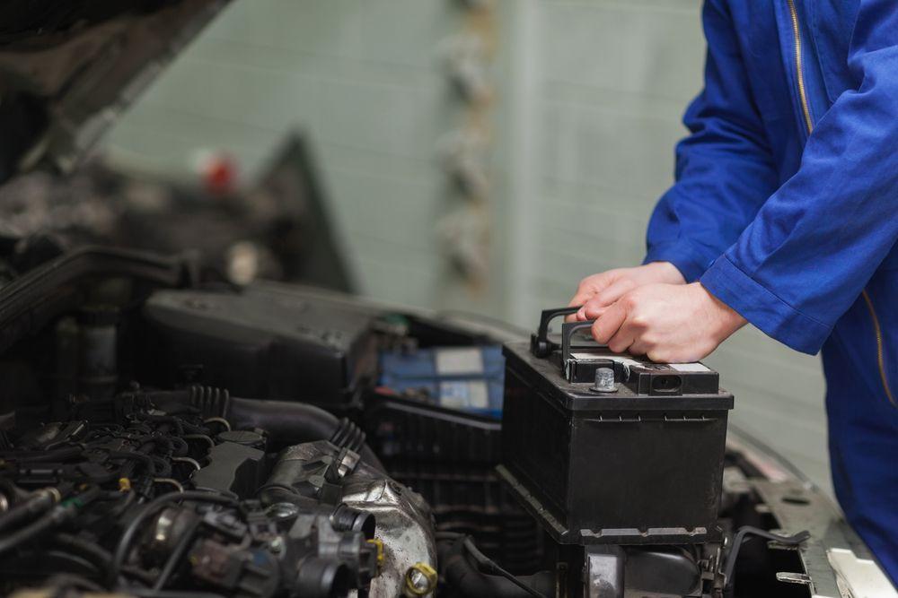 ¿Por-que-da-problemas-la-bateria-del-coche-4-causas
